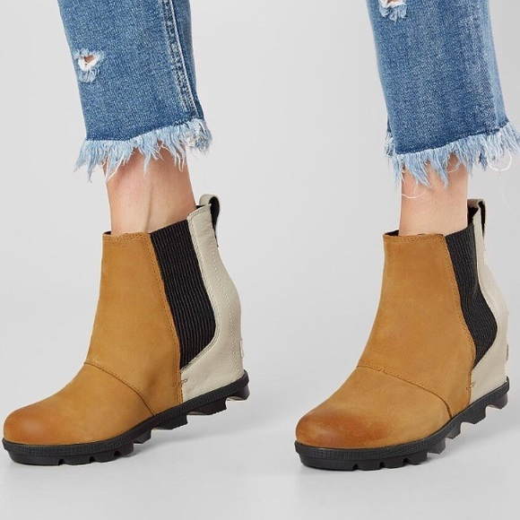 efe246ae3df New Sorel Joan Of Arctic Wedge Chelsea Boot. M 5c1168b4c61777389c30a630